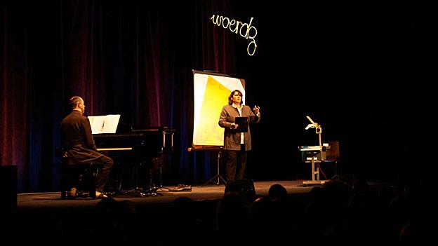 Philippe Kuhn und Patti Basler auf der Bühne