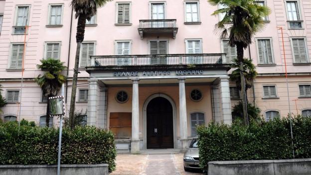Die Fassade des Grand-Hotels Locarno, das seit einigen Jahren geschlossen ist.