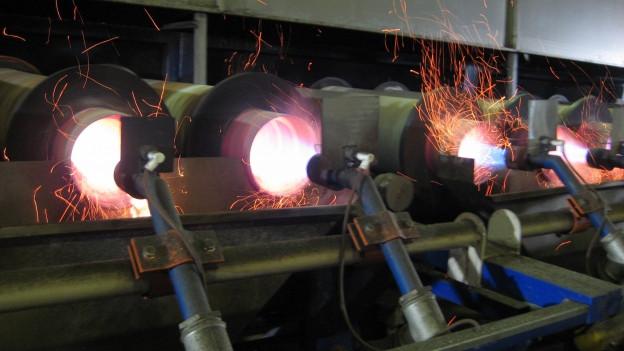 Maschine mit der Marroni industriell brandgeschält werden.