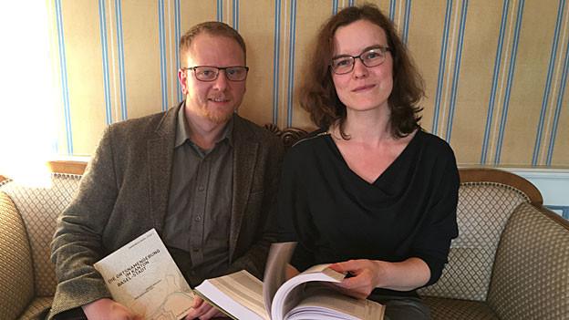 Jürgen Mischke und Inga Siegfried vom Namenbuch Basel-Stadt