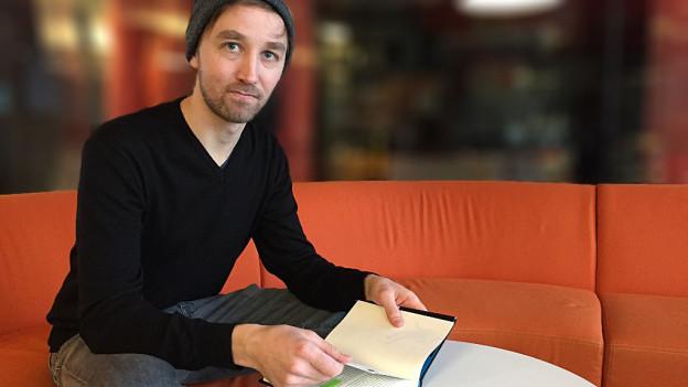Sebastian Steffen, 32, Mundartautor aus Biel