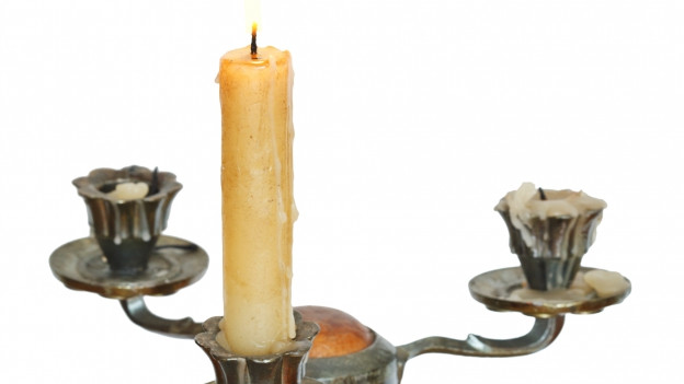 Kerzen in Kerzenständer.