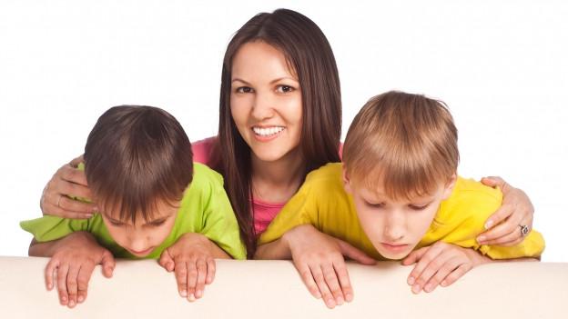 Mutter mit ihren Kindern.