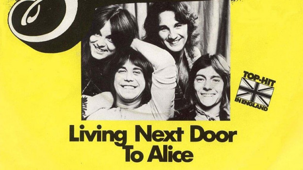 Single-Cover: Living Next Door To Alice (1977)