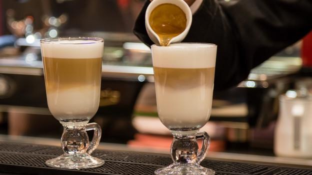 Zwei Tassen Latte macciato