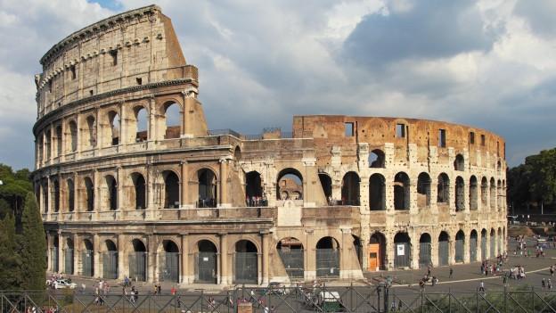 Das Kolosseum in Rom, der italienischen Hauptstadt.