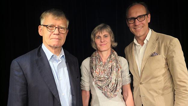 «Persönlich»-Gastgeber Christian Zeugin (links) mit Peter Wanner und Sabine Hediger.