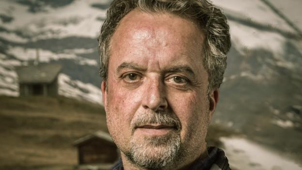 Hank Shizzoe am Fusse des Matterhorns.