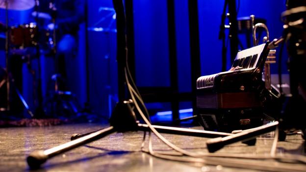 Die «Ohrfeigen - Live Radioshow» in einer Wiederholung vom 30.03.2011
