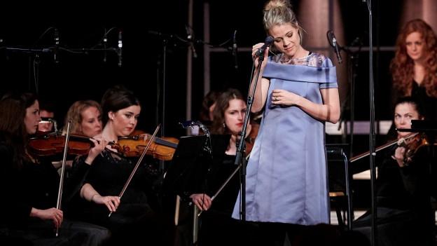 Jaël steht vor ihrem «Orkestra»