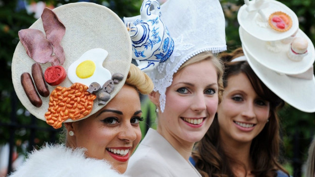 Very british - 3 Ladies in Ascot
