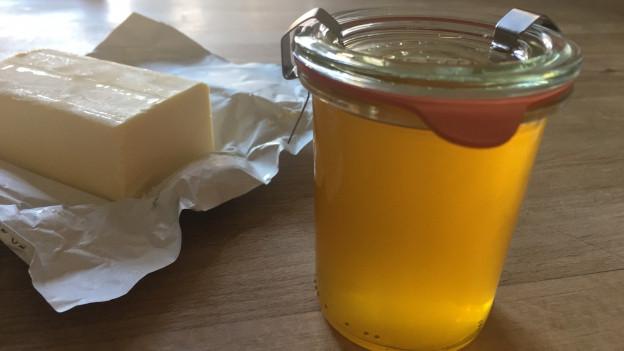 Ein Weck-Glas mit Beurre noisette.