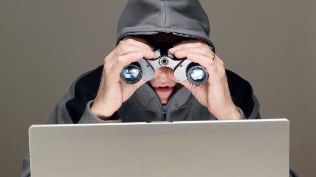 Wer Angst vor Cyber-Stalking hat soll aufpassen, was er oder sie im Internet von sich preisgibt.