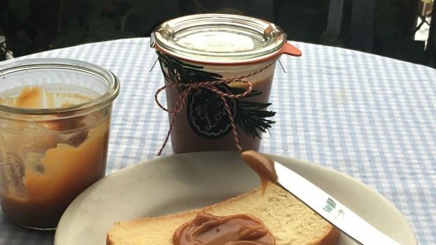 Caramel au beurre salé gibt einen hervorragenden Brotaufstrich ab.