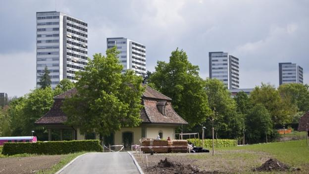 Blick auf das Hochhausquartier Tscharnergut, Bethlehem, Bern