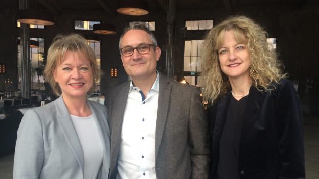 Daniela Lager mit ihren beiden Persönlich-Gästen Giorgio Morosi (m) und Brigitte Lüchinger (r)