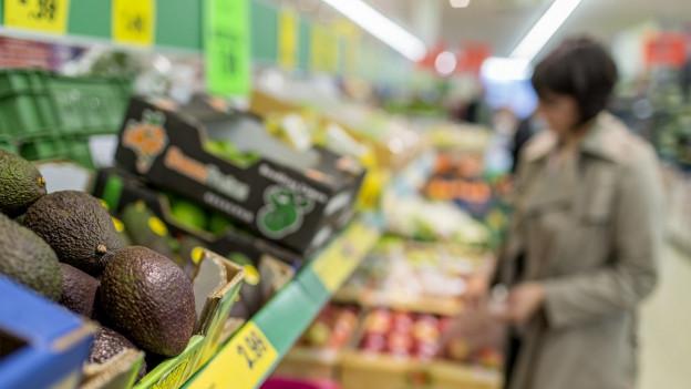 Avocado im Laden.