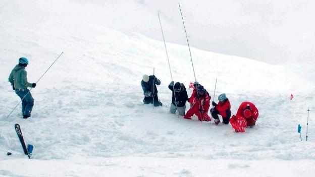Rettungskräfte in Aktion.