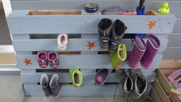 Blickfänger und praktisch: Der selbstgemachte Schuhalter.