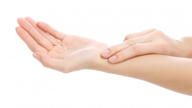 Pulsmessen am Handgelenk