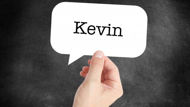 """Ein Schild mit dem Namen """"Kevin"""""""