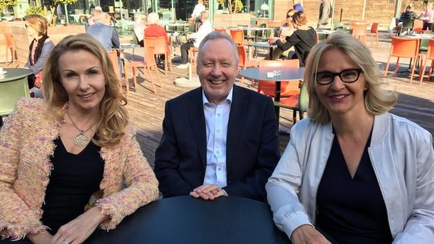 Susy Utzinger und Ansgar Gmür zu Gast bei Sonja Hasler (r)
