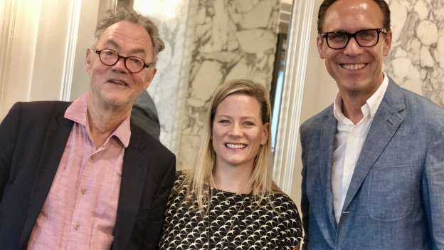 Josef Reinhardt (l) und Andrea Jansen zu Gast bei Christian Zeugin