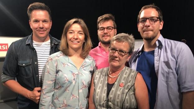 Suisse Quizz Kandidaten und Moderator Sven Epiney
