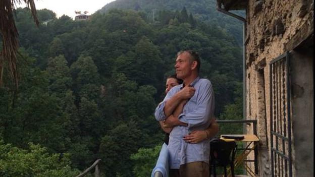 Martin Wyss vor seinem Haus in Valle Cannobina /Italien