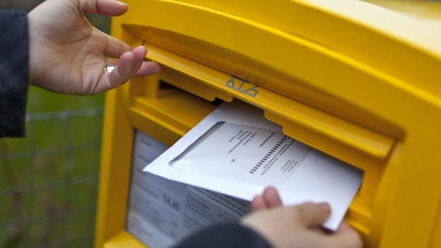 Brieflich wählen oder abstimmen – viele tun es nicht.
