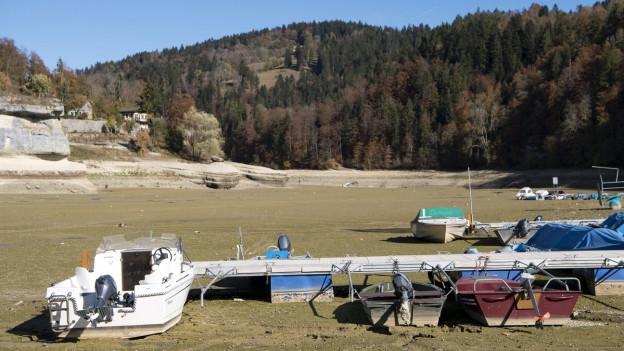 2018 trocknete der Lac des Brenets schier aus.