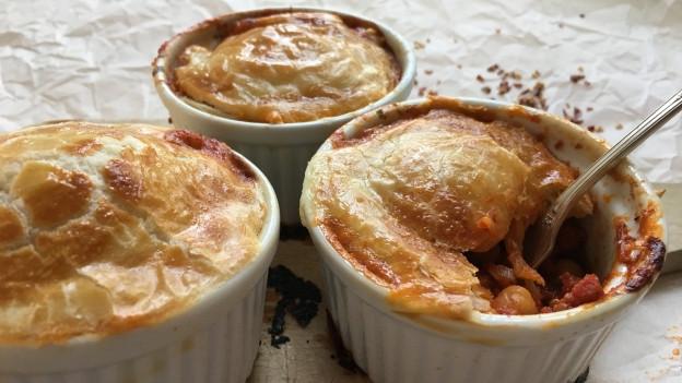 Pot-Pie mit Chorizo und Kichererbsen.