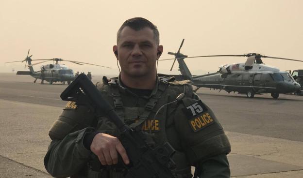 Cédric Schwyzer, Polizist im SWAT-Team in Kalifornien.