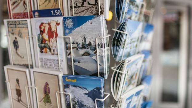 Postkartenständer.
