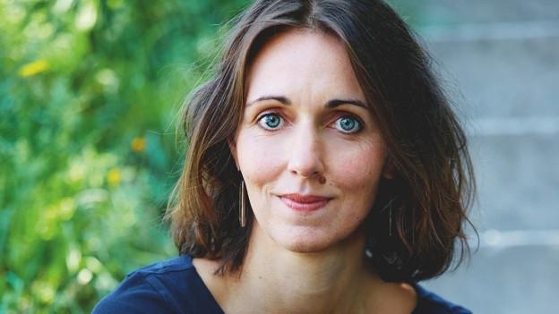 Daniela Krien blickt in die Kamera