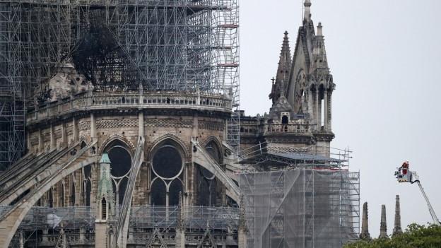 Der Morgen nach dem Brand, die Struktur des Denkmals konnte laut Feuerwehr erhalten bleiben.
