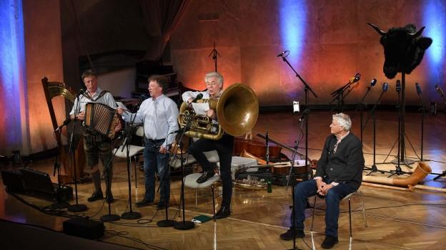Gerhard Polt und die Well-Brüder aus'm Biermoos