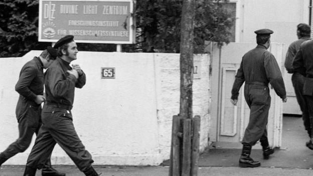 Das Divine Light Zentrum in Winterthur wird 1975 von Polizei umstellt