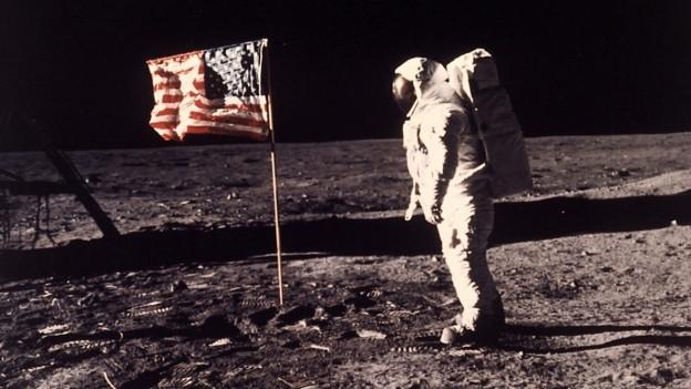 Astronaut bei der ersten Mondlandung