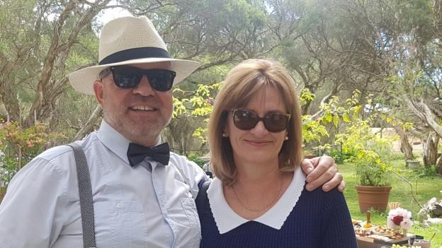 Marcel Willimann und seine Frau Mary. Er trägt einen Panama Hut.
