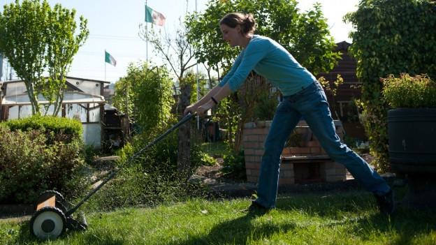 Die Biodiversität profitiert, wenn der Rase nicht perfekt gemäht ist.