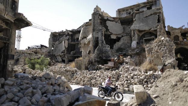 Trümmerhaufen, die einst die Altstadt von Aleppo waren.