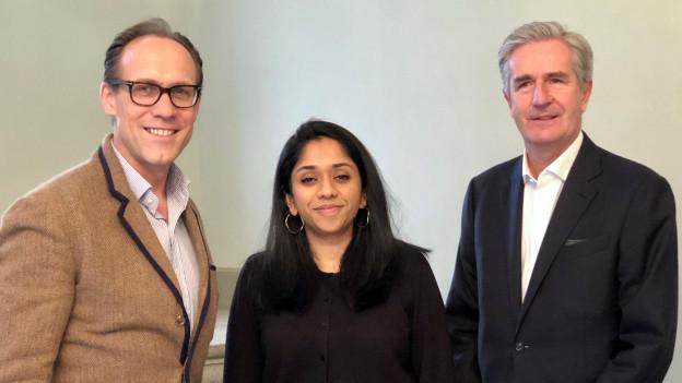 Moderator Christian Zeugin, Tama Vakeesan und Eric von Graffenried