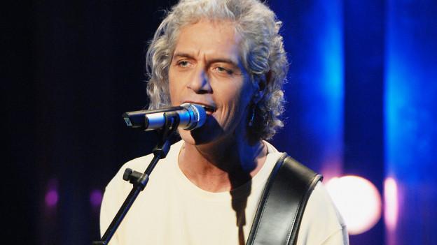 Phil Carmen an der Gitarre in der TV-Show «Die grössten Schweizer Hits»