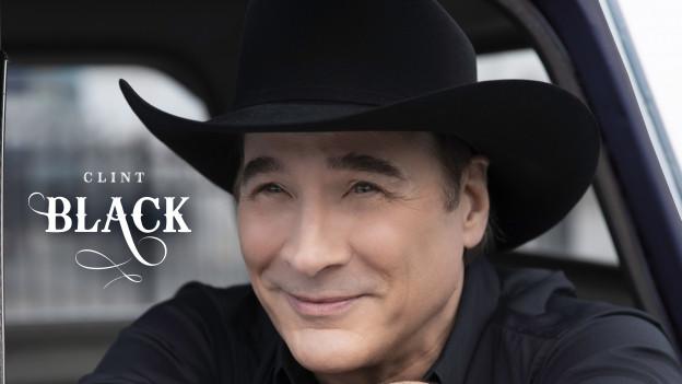 Trägt bis auf wenige Male immer einen schwarzen Hut - Clint Black.