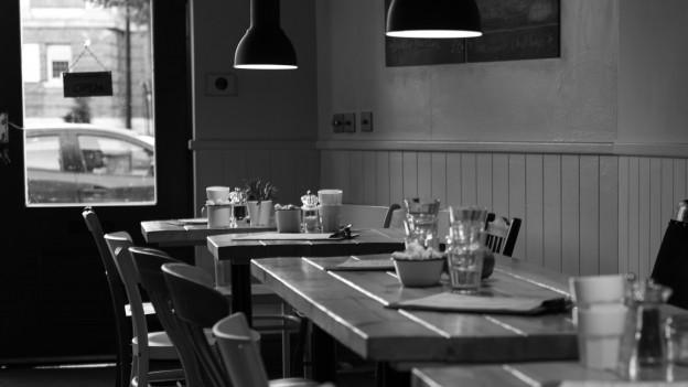 Ein leeres Restaurant.