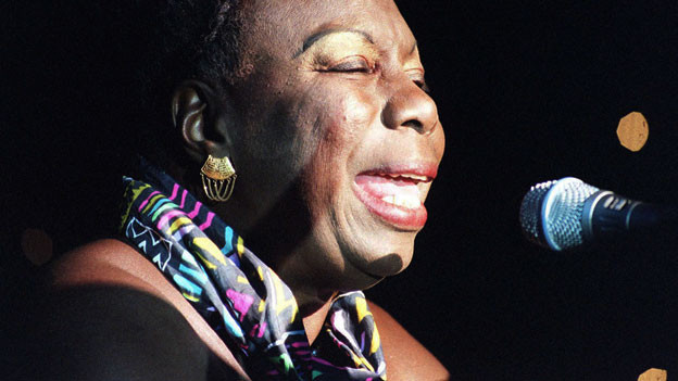 Nina Simone 1998 an der Cancer Research Campaign's Gala Halloween Ball in London