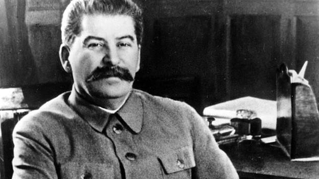 Josef Stalin posiert 1950 in seinem Büro im Moskauer Kreml.