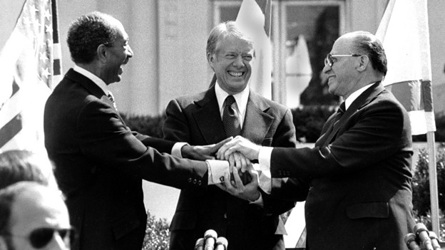 Friedensvertrag 1979: Der ägyptische Präsident Anwar Sadat, US-Präsident Jimmy Carter und der israelische Premierminister Menachem Begin (v.l.n.r.).