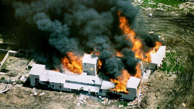 Am 28. April 1993 ging der Wohnsitz der Davidianer-Sekte in Flammen auf.